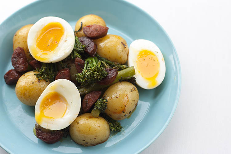Pan-fried chorizo, with new potatoes, broccoli and runny eggs